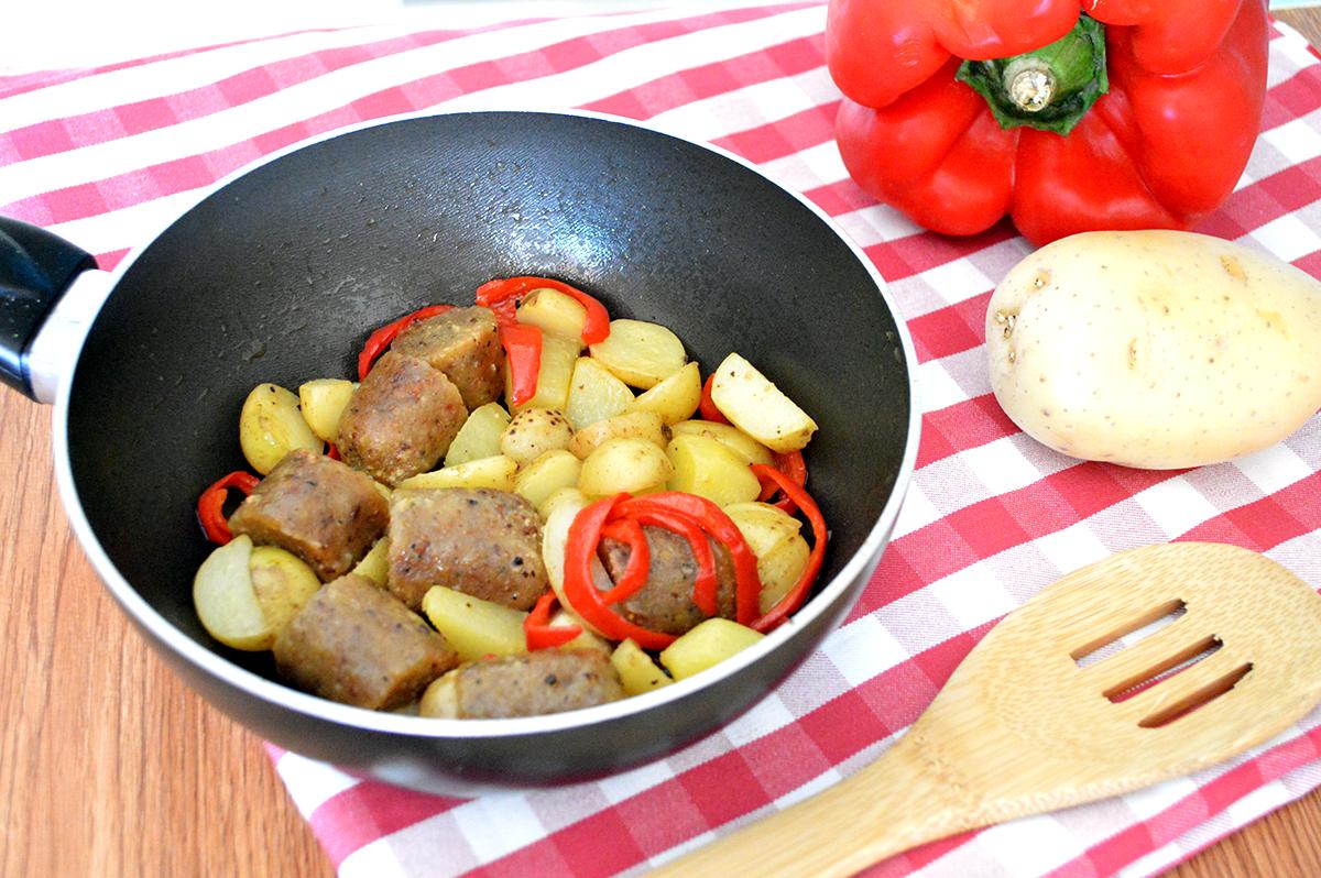salsicce veg con peperoni e patate