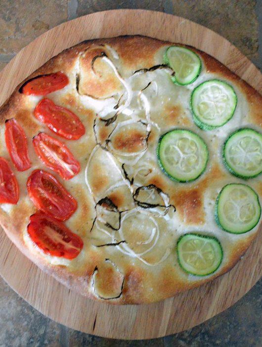 focaccia pomodorini zucchine cipolle