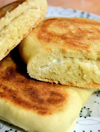 Pane naan al formaggio