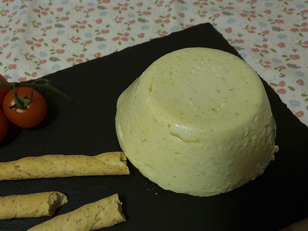 formaggio alle mandorle