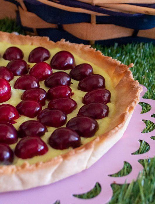 Crostata con Crema pasticcera e ciliegie